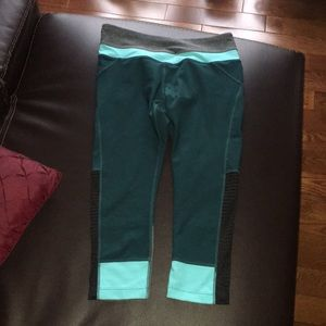 Teal and grey Capri leggings